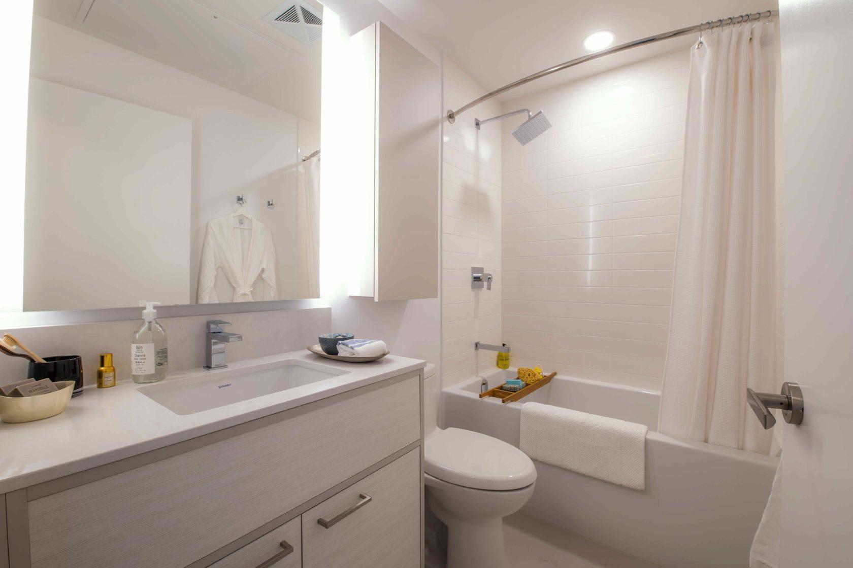Livmore Suite Bathroom