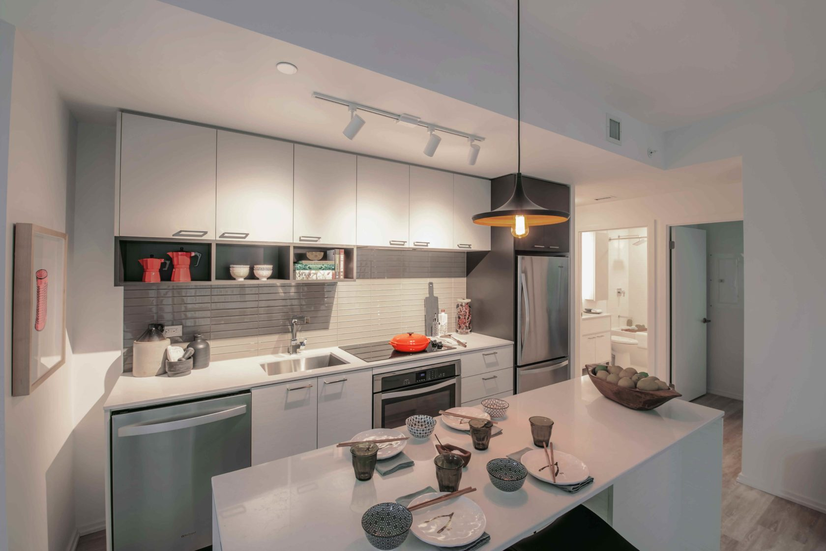 Livmore Suite kitchen and dining space